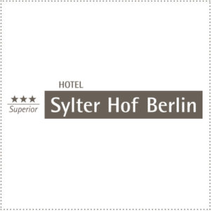 two_heads_SylterHof_Berlin