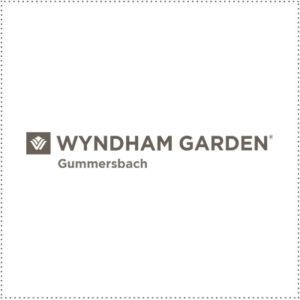 two_heads_Wyndham_Gummersbach