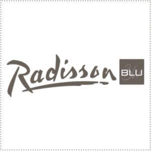 two_heads_radisson-blu