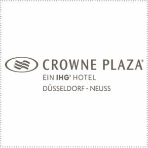 two_heads_crowne-plaza-dus