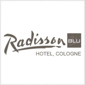 two_heads_radisson-blu-cologne