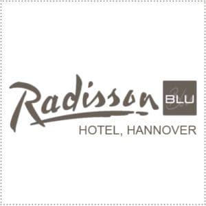 two_heads_radisson-blu-hannover