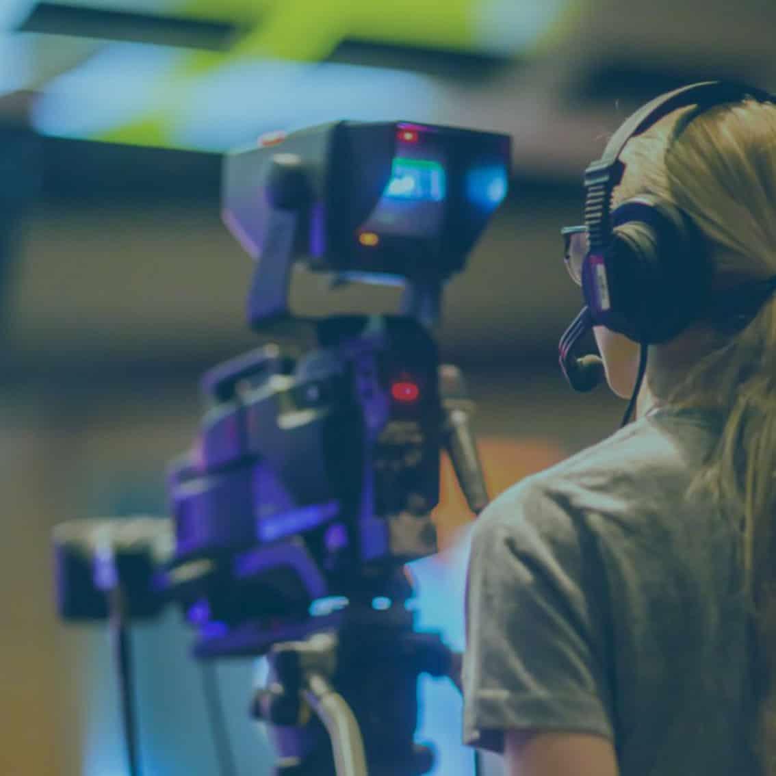 Kameramann in Aktion bei Online & Hybrid Events