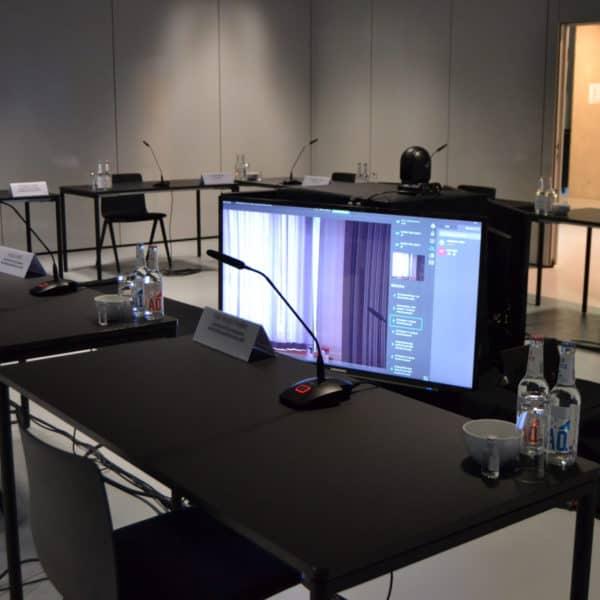 Referenzfoto vor Ort in den Design Offices. Eine moderne Tagungslocation für Hybrid Events.